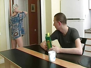 russian boy fuck her friend's mother