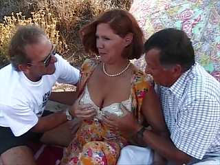Hot Mom in Mature Threesome