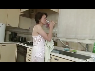 UURU-79   Slut and Lustful Mother at Night