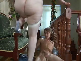 Nice MILF seduces youger guy