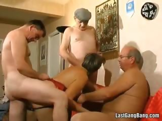 Big butt mature slut banging